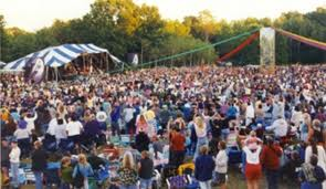mich fest crowd